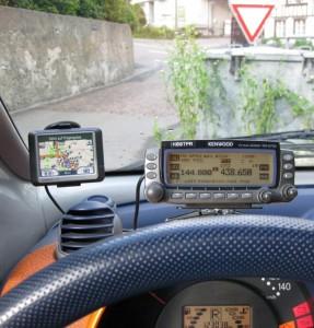 TM-D700 im Auto mit GPS